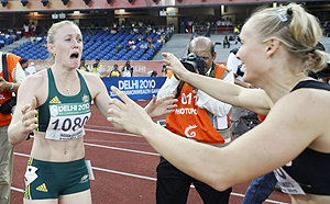 Sally Pearson cries after winning the 100m hurdles final