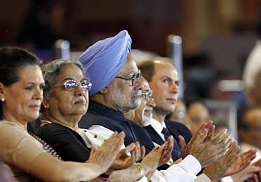 Sonia Gandhi, Manmohan Singh, Gursharan Kaur, Hamid Ansari and Prince Edward