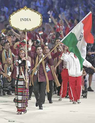Abhinav Bindra with the Indian flag