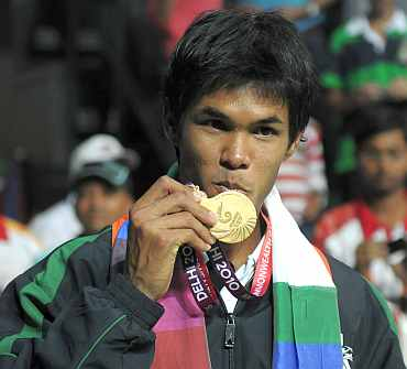 Somdev Devvarman with singles gold medal