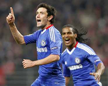 Chelsea's Yuri Zhirkov celebrates his goal against Spartak Moscow