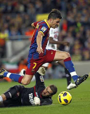 David Villa scores for Barcelona