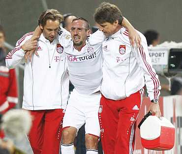 Franck Ribery taken off the field after he was imjured