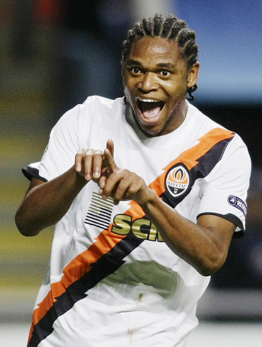 Shakhtar Donetsk's Luiz Adriano celebrates after scoring against Sporting Braga