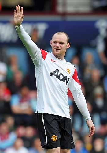 68aaf8b0120 Rooney hat-trick inspires Man United comeback - Rediff.com Sports