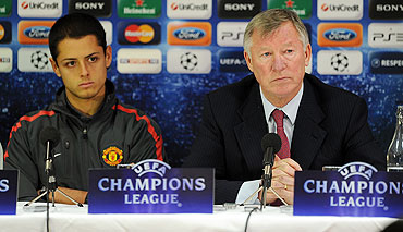 Manchester United's manager Alex Ferguson (right) and Javier Hernandez