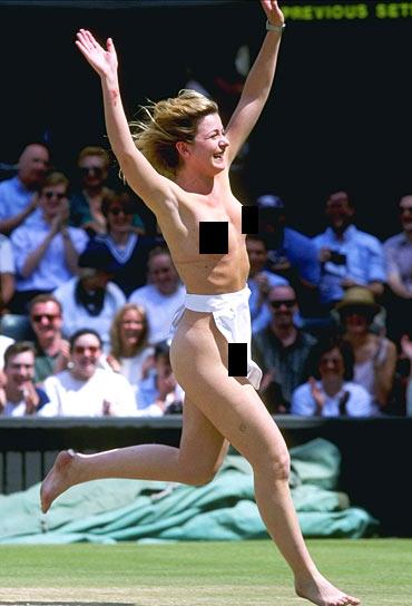 Wimbledon's first ever streaker