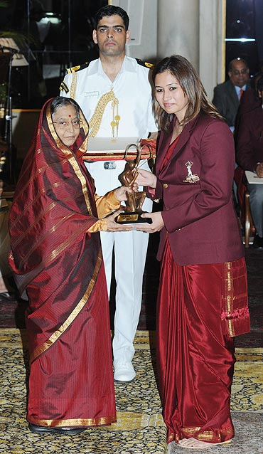 Badminton ace Jwala Gutta receives the Arjuna award from the President