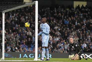 Mario Bolleteli scores against Norwich City