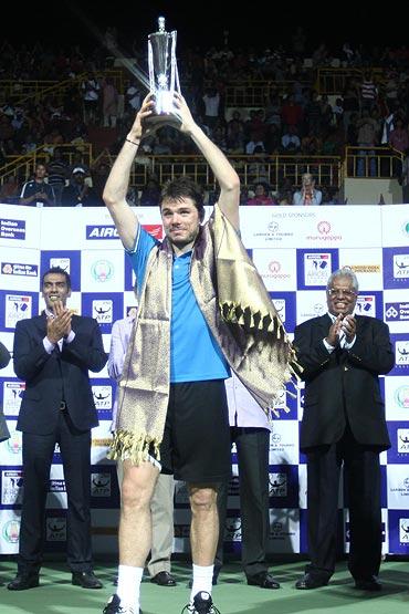 Stanislas Wawrinka with the Chennai Open trophy