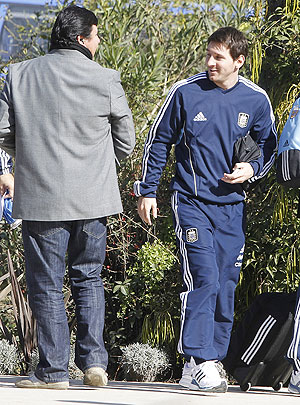 Argentina's Lionel Messi arrives at the Colon hotel in Santa Fe city on Tuesday