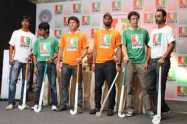 Adrian D'Souza, Arjun Halappa, Brent Livermore, Sardara Singh, Rodrigo Garza and Prabhjot Singh at the World Series Hockey press conference