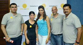 L-R): Gagan Naran, M.C. Mary Kom, Deepika Padukone, Viren Rasquinha and Ramky of Sports Mechanics at OGQ's website launch in Delhi