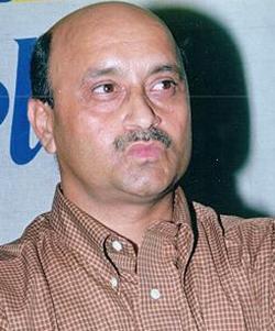 MK Kaushik
