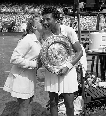 Althea Gibson (right) and Darlene Hard