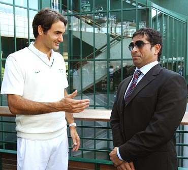 Sachin Tendulkar (right) with Roger Federer