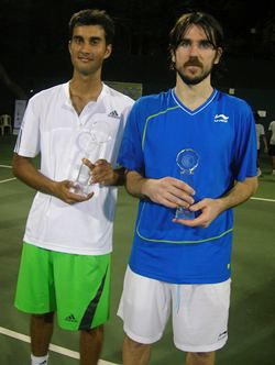 Yuki Bhambri (left) and runner-up Roko Karanusic