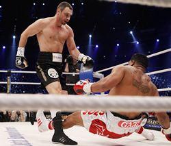 Klitschko knocks down Solis