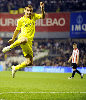 Villarreal's Marco Ruben celebrates