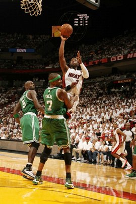 Dwyane Wade #3 of Miami Heat shoots