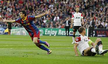 Pedro celebrates after scoring against Manchester United in Champions League final