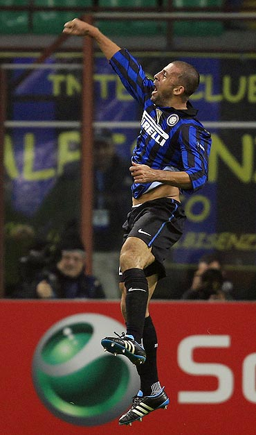 Inter Milan's Walter Samuel celebrates after scoring against Lille