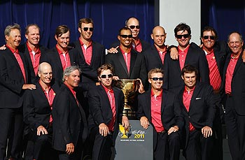 The US team poses with the Presidents Cup