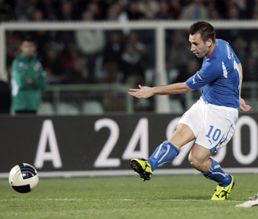 Two for Cassano in Italy stroll