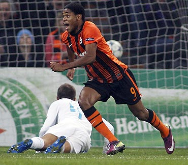 Shakhtar Donetsk's Luiz Adriano celebrates after scoring against Zenit St. Petersburg