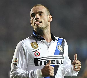 Inter Milan's Wesley Sneijder celebrates after scoring against Atalanta