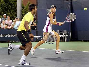 Leander Paes and Elena Vesnina in action at the U.S. Open