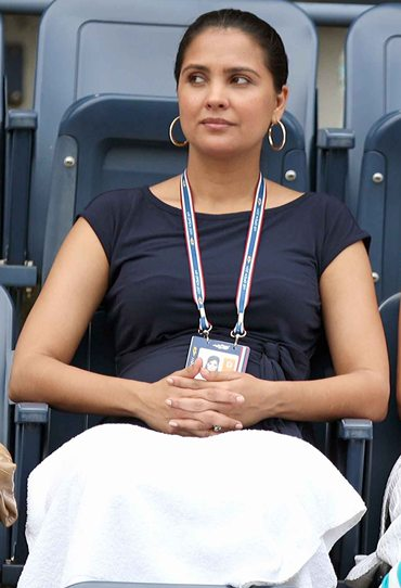 Mahesh's wife Lara Dutta watches the action from the stands