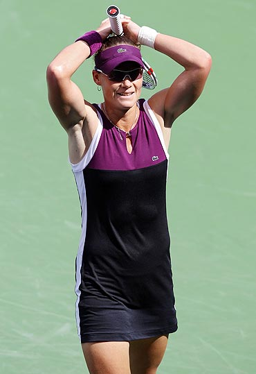 Samantha Stosur reacts after beating Vera Zvonareva