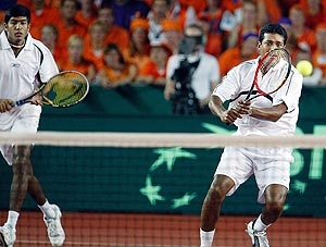 Indian duo of Mahesh Bhupathi (right) and Rohan Bopanna