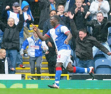Aiyegbeni Yakubu celebrates after scoring against Arsenal