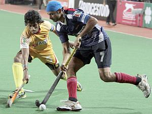 Prabhjot Singh (right) with Arjun Halappa