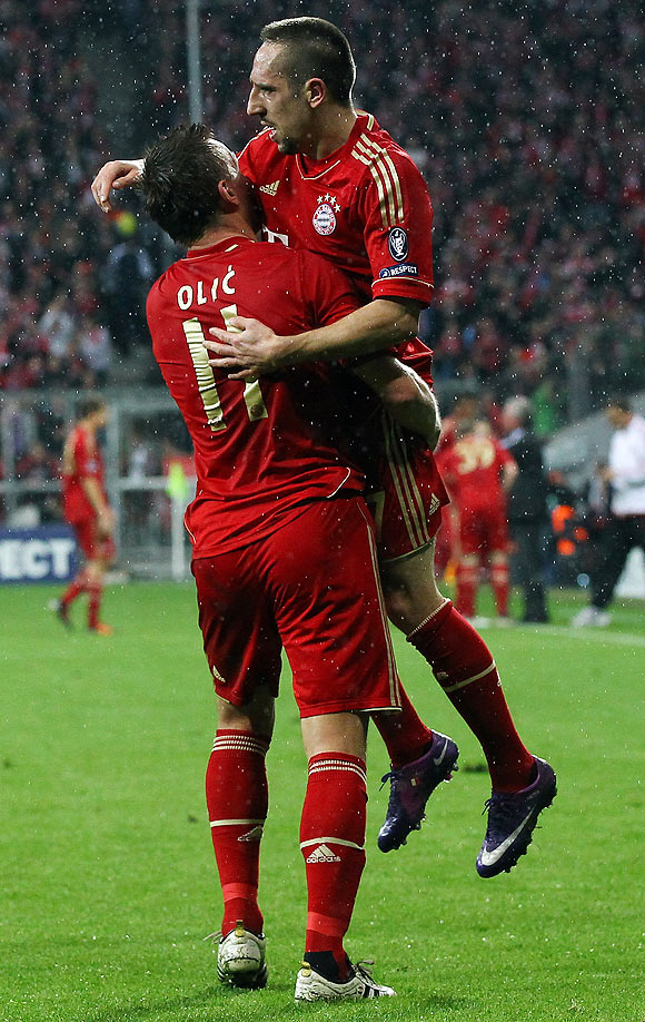Bayern Munich's Ivica Olic (left) with teammate Franck Ribery (right)