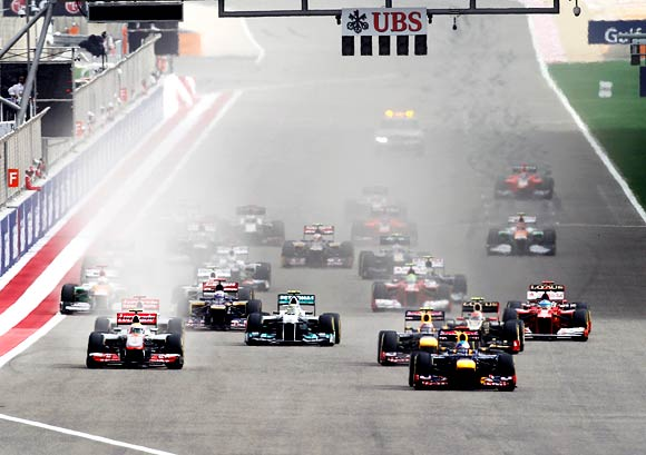 The start of the Bahrain F1 Grand Prix