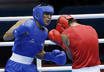 Manoj Kumar in action against Serdar Hudayberdiyev