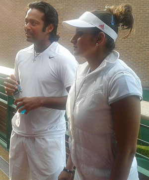 Paes-Mirza a set down; QF to resume Saturday