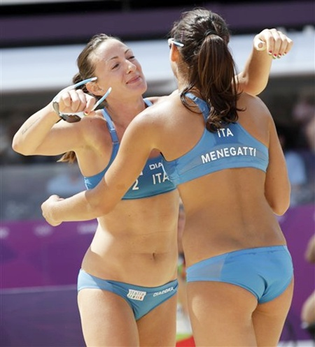 PHOTOS: Bikini-babes, bronze bodies at the Games