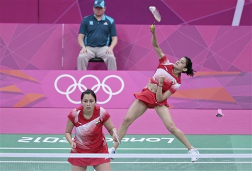 India's Ashwini Ponappa, left, and Jwala Gutta