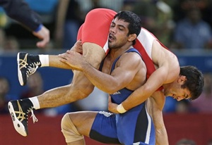 Sushil scripts history, storms into final
