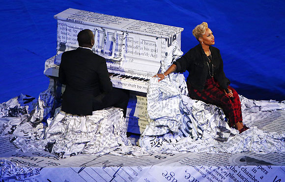 British singer Emeli Sande (right) performs during the closing ceremony of the London 2012 Olympic Games