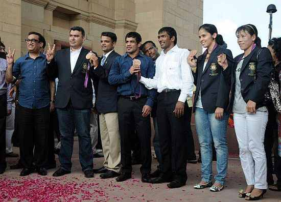 Indian Olympic stars at the India Gate