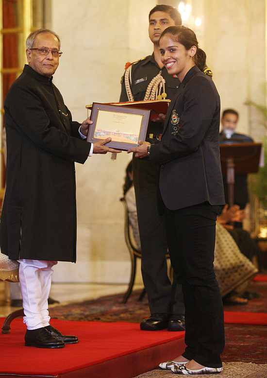 Pranab Mukherjee felicitates Saina Nehwal
