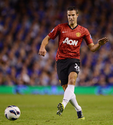 Robin van Persie of Manchester United in action during the Barclays Premier League match between Everton and Manchester United at Goodison Park