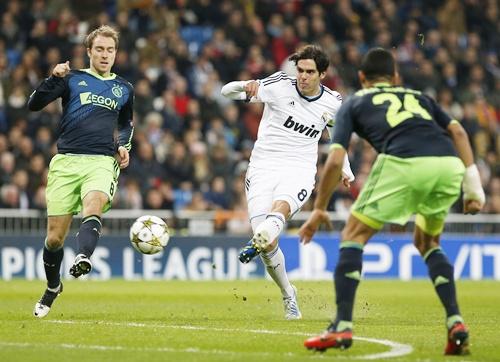 Real Madrid's Kaka (centre) scores