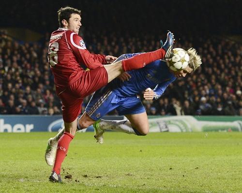 Chelsea's Fernando Torres (right) challenges FC Nordsjaelland's Michael Parkhurst