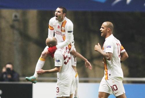 Galatasaray's Yilmaz celebrates his goal against Braga with his teammates